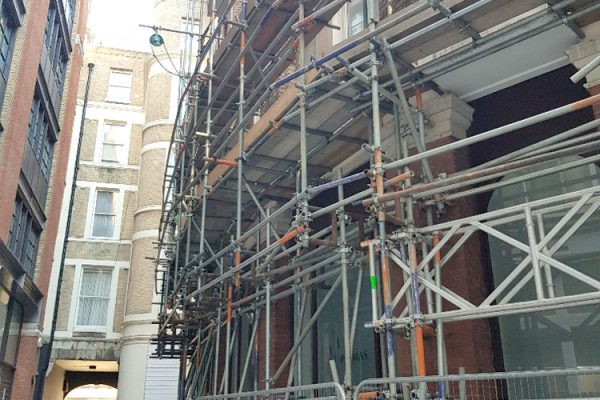 creed-court-scaffolding-closeup